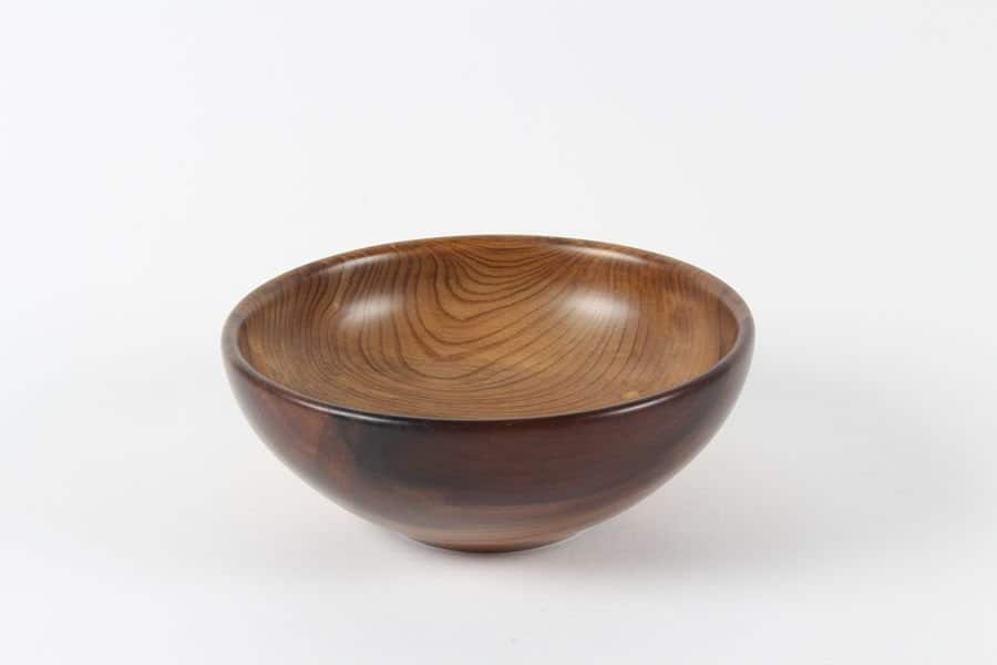 <h4>Highly Commended:</h4><h2> Bruce Colquhoun</h2><h5> Bowl</h5>
