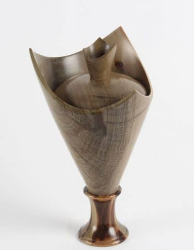<h4>Highly Commended:</h4><h2> Colin McKenzie</h2><h5> Dish with Lid</h5><h5> Kauri</h5>